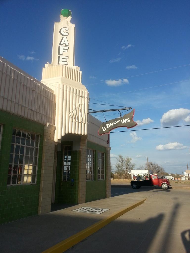 U-Drop Inn: Shamrock, Texas